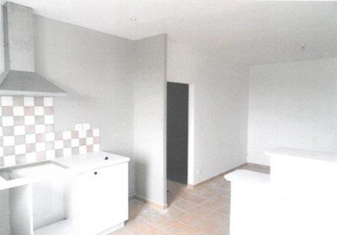 En plein cœur du Village à vendre Appartement type 3 de 54.13 m² . CHAPONOST